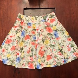 Dresses & Skirts - Floral skater skirt, zipper on side